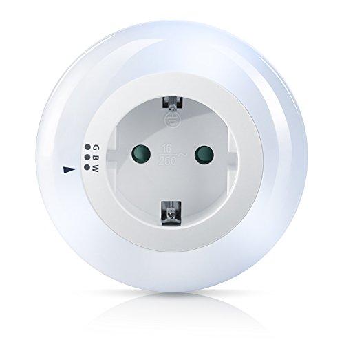 Brandson - LED Nachtlicht / Orientierungslicht / Nachtlampe | integrierter Helligkeits-/ Dämmerungssensor | drei wählbare Farben (weiß, grün, blau) | Kindersicherung | inkl. Zwischenstecker | max. 3680W | IP20 | stromsparend