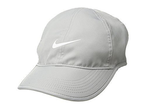 Nike Women's NikeCourt AeroBill Featherlight Tennis Cap Atmosphere Grey/Black/White 1-Size (Atmosphere Grey/Black/White) -