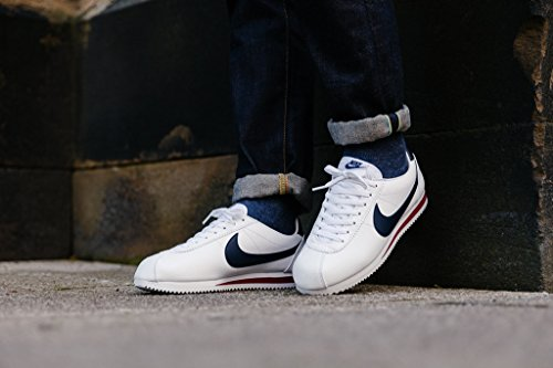 Nike Classic Cortez Leather, Chaussures de Running Entrainement Garçon Multicolore - Blanco / Azul / Rojo (White / Midnight Navy-Gym Red)