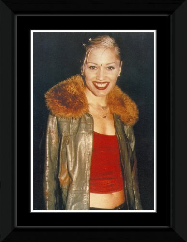 No Doubt - Gwen - Fur Collar Framed and Mounted Print - 14.4x9.2cm