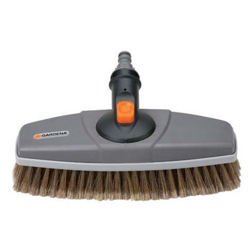 Preisvergleich Produktbild GARDENA Waschbürste: Wasserführende Reinigungsbürste für das Cleansystem,  auch für empfindliche Oberflächen und die Autowäsche geeignet (5570-20)