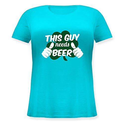 Shirtracer St. Patricks Day - This Guy Needs Beer Kleeblatt - Lockeres Damen-Shirt in Großen Größen mit Rundhalsausschnitt Türkis