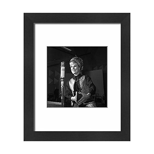 Price comparison product image Media Storehouse Framed 10x8 Print of Music - Dusty Springfield - 1964 (1724065)