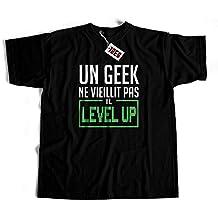 Tee shirt Un Geek ne vieillit pas il level up