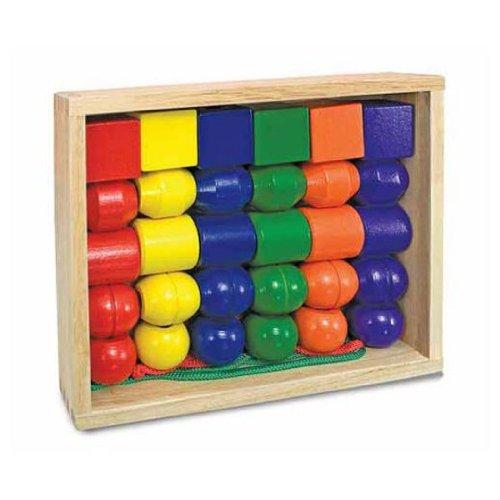 Preisvergleich Produktbild Melissa & Doug : Holz Schnürung Perlen: Primär [Spielzeug]
