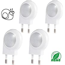 Pack de 4 Focos de la Marca LEDGLE 0,7W Plug-in. Luz nocturna Mini LED Auto Pared con Sensor de Luz Ideal Para el Cuarto de Baño Dormitorio y Pasillo. De Color Blanco