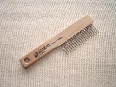 brush-comb-keep-your-paint-brushes-in-perfect-shape