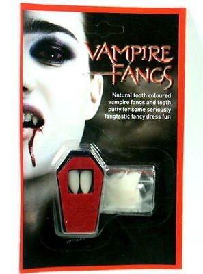 Halloween per adulti, bambini, donne, uomini, divertimento e spaventoso stuff, spaventoso parrucche, maschere, viso stucchi, gilè, skeleten con sangue, lattice liquido, corna da diavolo, male occhi, del display, occhiello, trucco, terzo occhio, zombie mento, cicatrici, pinned gash, piercing, slashed gola, vampiro sangue, strega naso e mento, zombie dracula vampiro