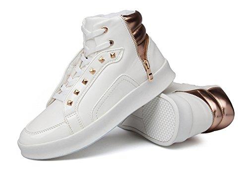 Sneakers leggera da uomo Autunno Inverno Novità Scarpe da skate casual da uomo Scarpe da ginnastica Bianca