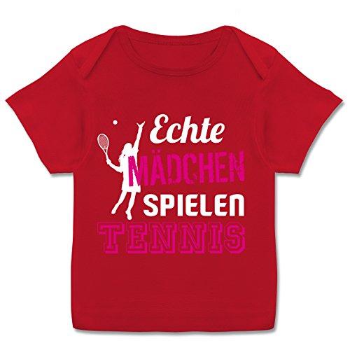 Sport Baby - Echte Mädchen Spielen Tennis - 80-86 (18 Monate) - Rot - E110B - Kurzarm Baby-Shirt für Jungen und Mädchen