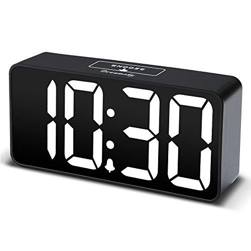 DreamSky Digitaler Wecker mit USB-Ladeanschluss, Große Ziffern Display, Lauter Alarm, Helligkeit und Lautstärke Regelbar, Snooze, 12/24HR, Tischuhr Netzbetrieben