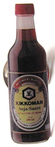 kikkoman-soja-sauce-flasche-pin-35-x-10-mm