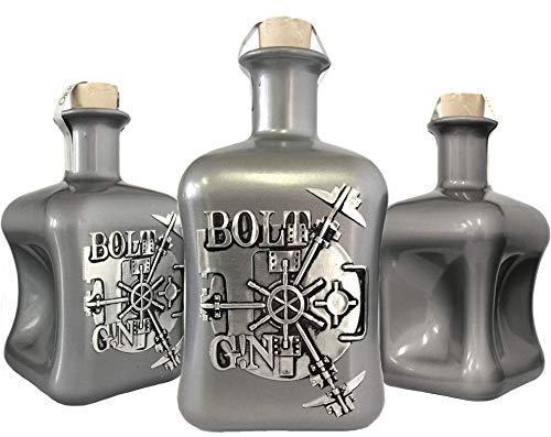 Produktbild bei Amazon - BOLT G!N Luxus Dry Gin limitiert auf 1.250 Flaschen aus deutscher Edelmanufaktur in silber 3D Tresor wilde Bergamotte und Kardamom Geschenk TOP Qualität