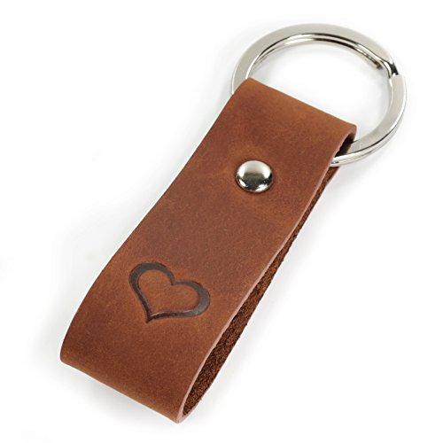 Schlüsselanhänger mit Gravur, Leder mit geprägtem Herz - edles Geschenk für Damen & Herren - Geschenkbox