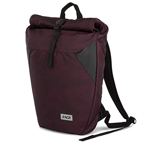 AEVOR Rolltop Palm Red - Urban Lifestyle Rucksack im Alltag Inklusive Gepolsterten Schultergurten und erweiterbar auf 18 Liter
