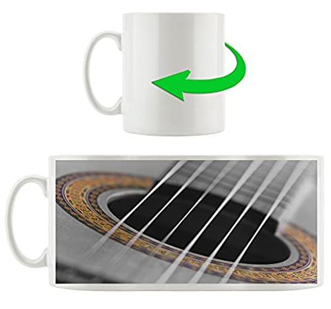 verziertes Schallloch einer Westerngitarre schwarz/weiß , Motivtasse aus weißem Keramik