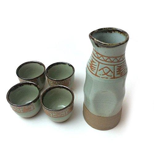 vintage-service-a-sake-japonais-en-ceramique-peinte-a-la-main-4-tasses-avec-1-carafe-decoration-asia