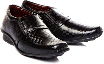Trilokani Footware Boy's Black Formal Shoes