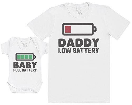 Baby Full Battery - Passende Vater Baby Geschenkset - Herren T-Shirt & Baby Strampler/Baby Body - weiß - L & 6-12 Monate