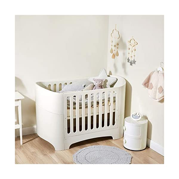 DUWEN-Cot bed Solid Wood Multifunction European Baby Cot Toddler Bed Sofa Bed Game Bed Children's Bed DUWEN-Cot bed 1. Simple and exquisite crib not only allows the baby to have a better sleep experience, but also cultivates the baby's independent consciousness and exercises the baby's hand and foot coordination ability, which is the best gift for the baby. 2. The crib is made of environmentally friendly pine wood, which is sturdy and durable, not easy to crack and deform, and has a carrying capacity of more than 80KG, so that the baby has a healthy sleep. 3. The crib is safe, environmentally friendly, non-irritating and harmless to the baby. It is the best choice for the mother. 2