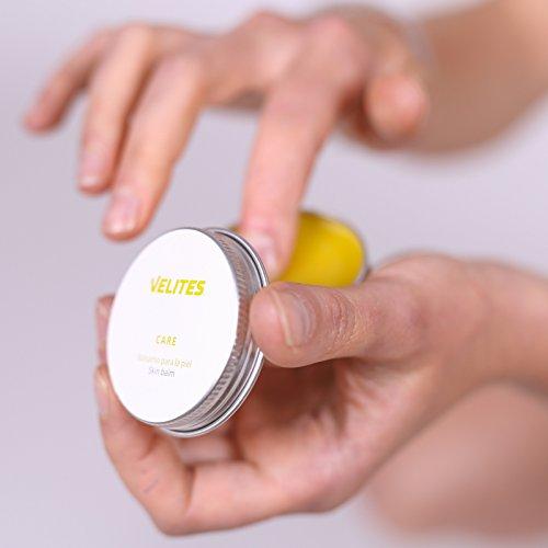 Bálsamo Regenerador de la Piel para atletas. 100% Natural y Bio. Crema reparadora para manos heridas en entrenamientos de intensidad  Fitness o Crossfit. Perfecta para rozaduras en pies  manos  espinillas o muslos. Regenera y recupera la piel más rápido. Crema con propóleo  lavándula  caléndula y rosa mosqueta. Úsala como crema para tatuajes y recuperarás la piel más rápido. Diseñada para entrenamiento funcional. 30 ml.