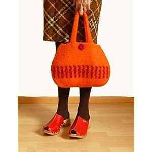 Handtasche gehäkelte Tasche Damenhandtasche Frauentasche gefilzte Tasche Henkeltasche Damen Tasche orange mit Blumen aus hochwertiger Wolle.