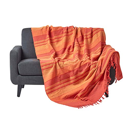 Homescapes Tagesdecke/gestreifter Sofaüberwurf Morocco in Terrakotta-Orange 225 x 255 cm - handgewebt aus 100{be2e33ecaa4258e9fdb1b67033dd6d94f53d5d427bff6c7b4b313cfd94f46425} Reiner Baumwolle mit Fransen