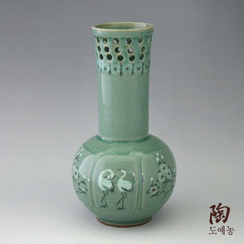 Vase Long Céladon Vert Goryeo Coréen Soigneusement Décoré Poterie Artisanale