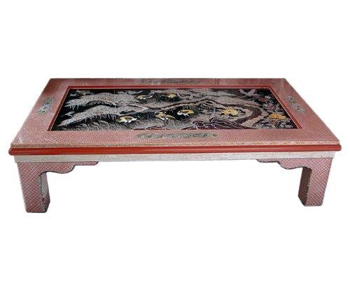 Table basse meuble en style orientale ou asiatique Décoration de la maison en nacre Art de marqueterie en bois noir solide et robuste Finition en laque travaillé à la main avec motif arbre de pin et grues