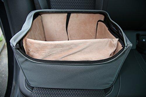 Hundeautositz mit Polsterung für Vordersitz oder Rückbank, direkt mit Anschnaller im Hundesitz, leicht und unkompliziert im Auto zu befestigen duch vorhandenen Anschnallgurt im Auto