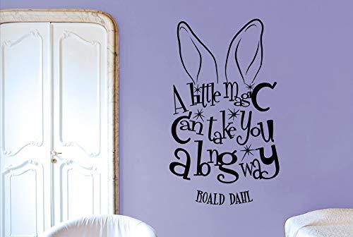 jiuyaomai Roald Dahl Zitat Aufkleber EIN wenig Magie können Sie einen Langen Weg Vinyl Wandaufkleber Hasenohren Für Kinder Kinderzimmer Dekor S 94x57 cm