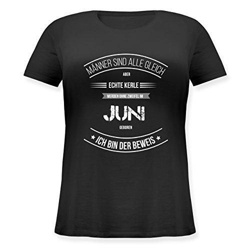Shirtracer Geburtstag - Echte Kerle Werden IM Juni Geboren - Lockeres Damen-Shirt in Großen Größen mit Rundhalsausschnitt Schwarz