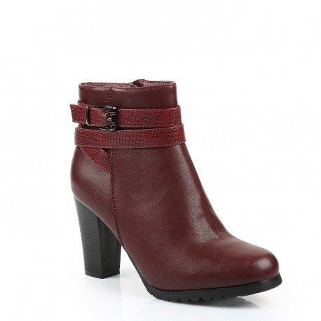 Ideal Shoes - Bottines à talon épais avec ceinturons effet reptile Julya Rouge