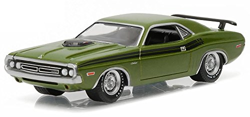 1971-dodge-challenger-hemi-r-t-greenlight-13160c-verde-164-die-cast