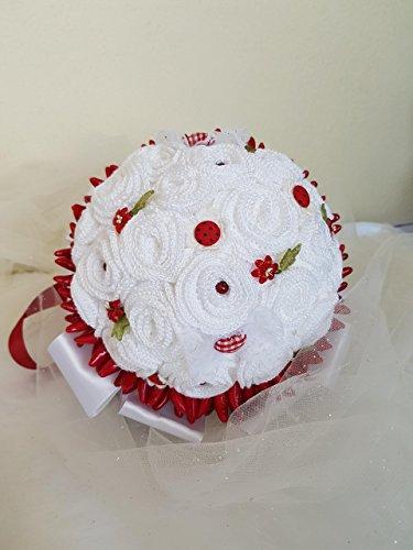 Laurea fiori artificiali handmade portafedi bouquet da sposa promessa di matrimonio, composto da roselline a crochet, arricchito di nastri in raso e pizzi