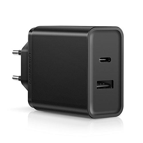 UGREEN 30W USB C Ladegerät mit 18W Power Delivery USB Ladegerät 2 Port USB C Schnellladegerät kompatibel mit iPhone 11/11 Pro/11 Pro max/XS Max/XR/XS/X/ 8, iPad Pro 2018, Samsung S10, Huawei P30 usw