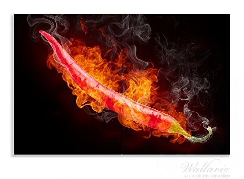 Wallario Herdabdeckplatte / Spritzschutz aus Glas, 2-teilig, 80x52cm, für Ceran- und Induktionsherde, Motiv Heiße, brennende Chili-Schote vor schwarzem Hintergrund