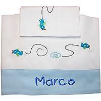 """ZIGOZAGO - Set per culla o lettino """"AEREI"""" in piquet di cotone in 3 pezzi con nome personalizzato. Federa, lenzuolo e coprimaterasso con elastico"""