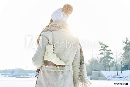 druck-shop24 Wunschmotiv: Frau mit Schlittschuhen Macht Spaziergang #229701881 - Bild auf Forex-Platte - 3:2-60 x 40 cm / 40 x 60 cm