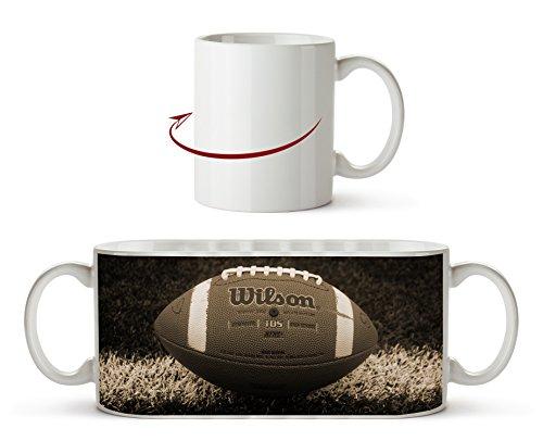 Football auf der Spiellinie Effekt: Sepia als Motivetasse 300ml, aus Keramik weiß, wunderbar als Geschenkidee oder ihre neue Lieblingstasse.