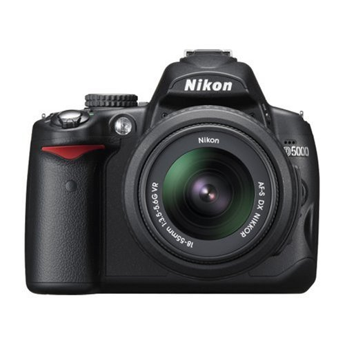 Nikon D5000 SLR-Digitalkamera (12 Megapixel, Live-View, HD-Videofunktion) Kit inkl. 18-55mm 1:3,5-5,6G VR Objektiv (bildstab.) D5000 Kit
