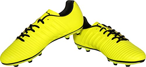 4. Nivia Ditmar Football Shoes