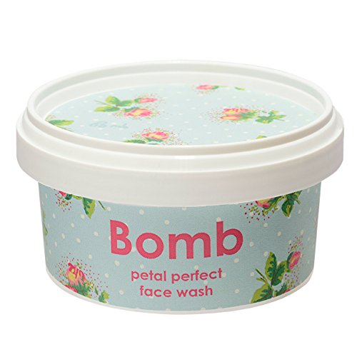 Make-up Petal (Bomb Cosmetics Gesichtsreinigung PETAL PERFECT FACE WASH)