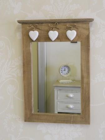 shabby chic and vintage - Espejo estilo vintage con corazones decorativos (25,5 x 40 x 1 cm)