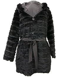 Abrigo reversible con capucha. Un lado de textil impermeable y otro lado de piel de conejo REX.