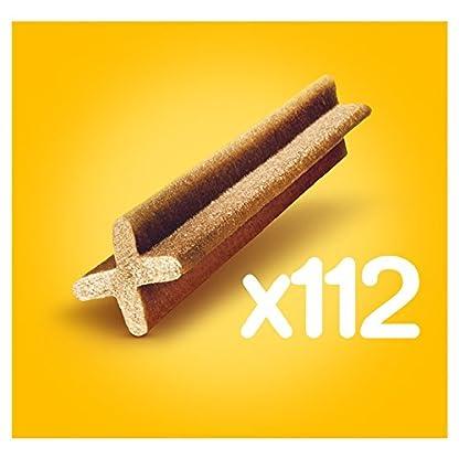 Pedigree DentaStix - Daily Dental Chews for Medium Dogs (10-25 kg), 70 Sticks 2