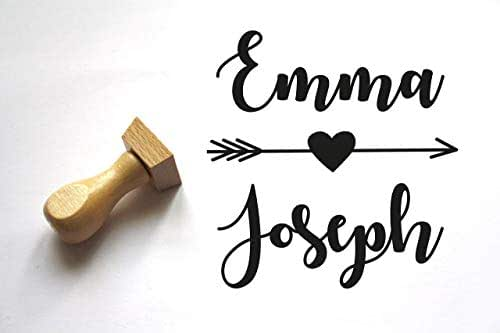 Timbro matrimonio personalizzato con nomi, conome, forma quadrata, cuore e freccia