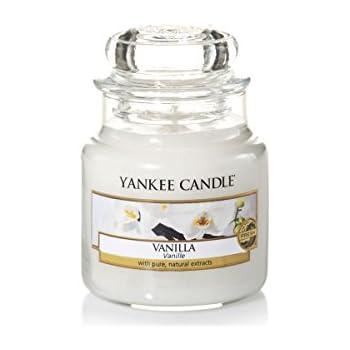 yankee candle bougie parfum g teau la vanille petite jarre verre jaune 6 5 x 6 2 x 8 6 cm. Black Bedroom Furniture Sets. Home Design Ideas