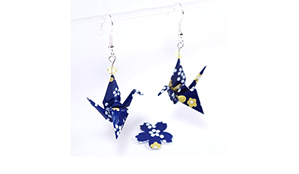 Boucles doreilles grues origami bleues avec des fleurs roses