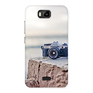 Enticing Vintage Camera Multicolor Back Case Cover for Honor Bee